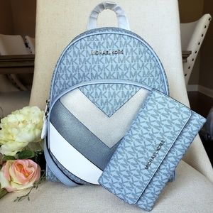🎒Michael Kors Abbey Backpack and Wallet set blue